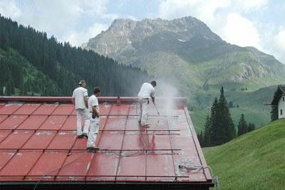 Dächer gründlich reinigen
